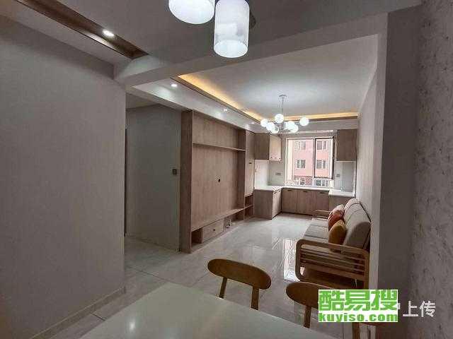 和美蓝湾 多层2楼 66平精装带家具 两室一厅 可贷款